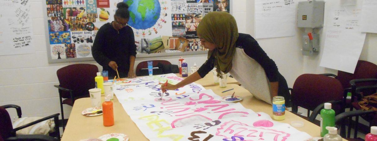AFFIRM group_girls painting